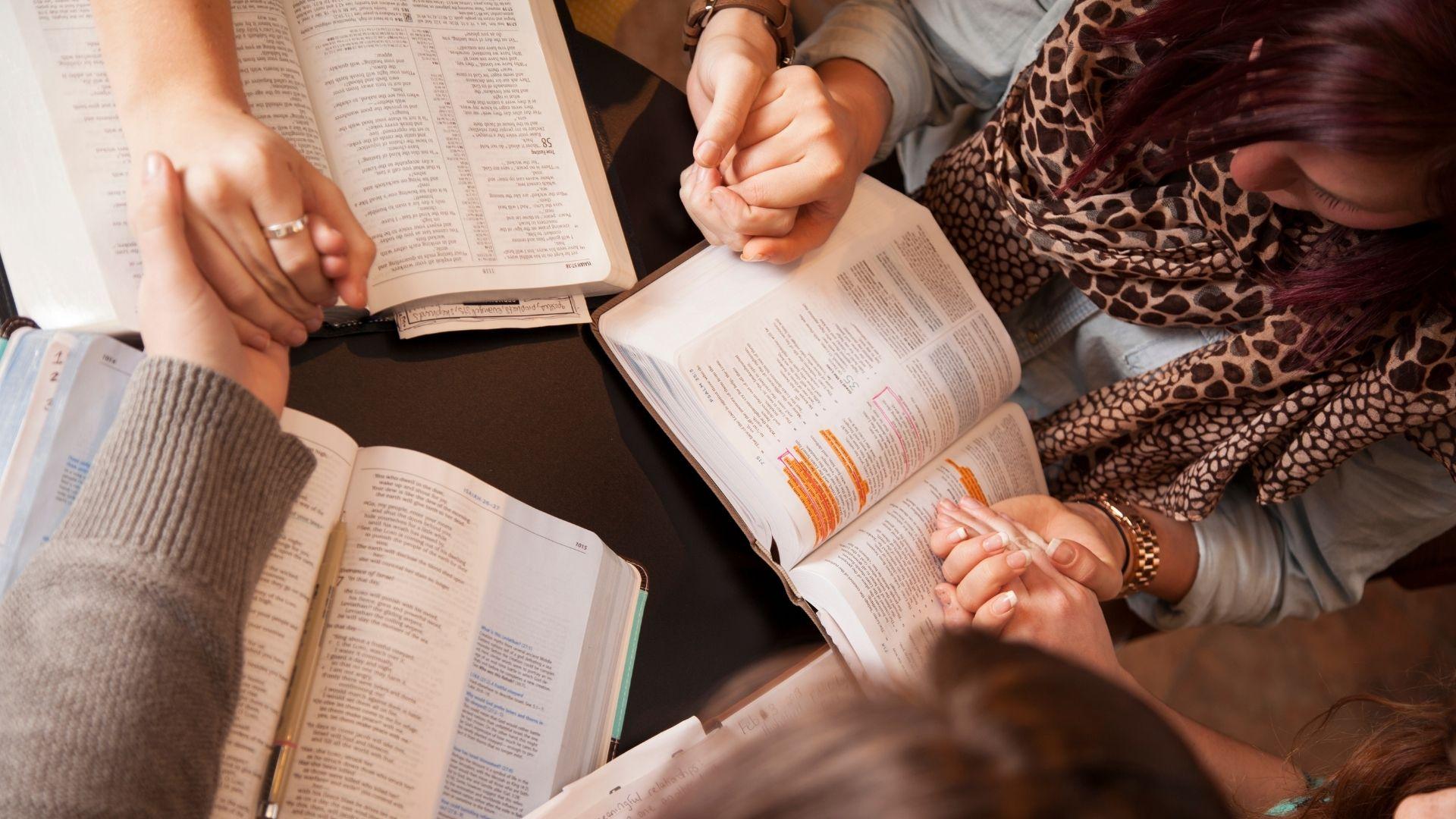 Estudo revela que milhões de americanos voltaram a ler a Bíblia durante a pandemia