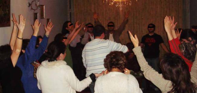 """Iranianos se reúnem escondidos todas as noites para a Ceia: """"Pode ser nossa última vez"""""""