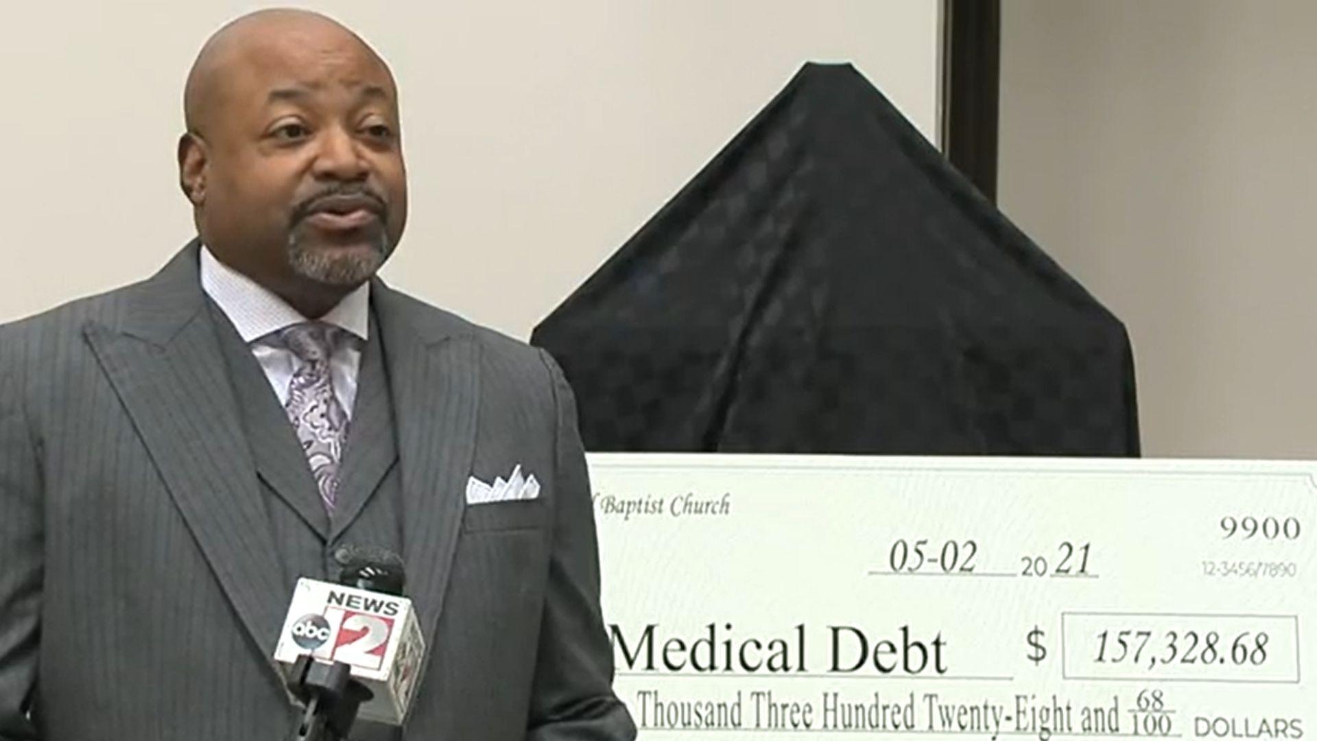 Igreja nos EUA levanta mais de 157 mil dólares para pagar dívidas de famílias carentes