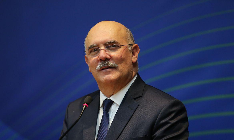 Justiça condena falas do ministro Milton Ribeiro consideradas homofóbicas