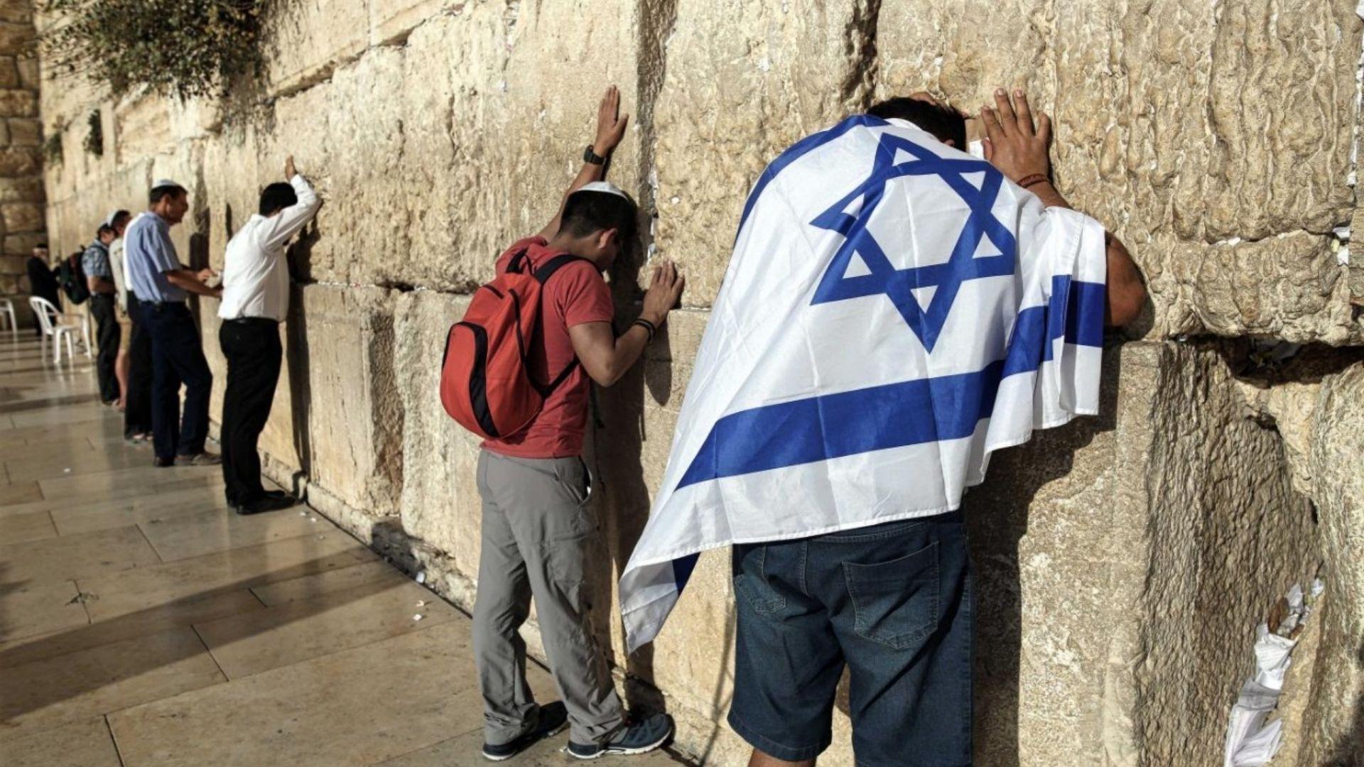 Igrejas se unem para oração global em resposta ao conflito entre Israel e Palestina