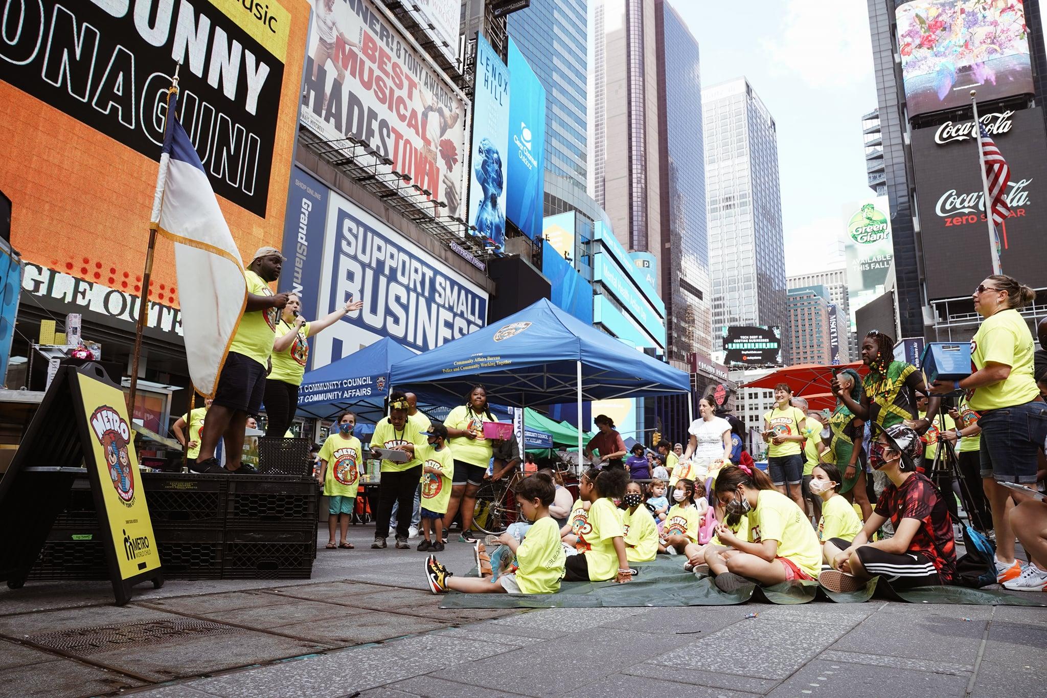 Maior EBD do mundo participa da comemoração de reabertura pós-Covid de Nova York