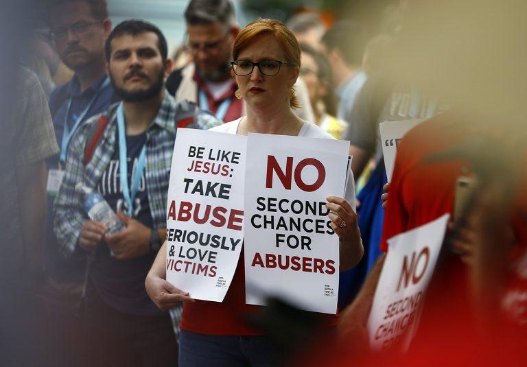 Batistas do Sul nos EUA aprovam maior investigação de denúncias de abuso sexual