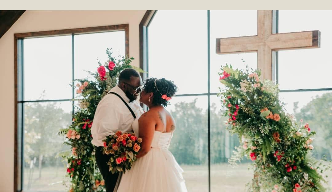Casais cristãos estão mais felizes no casamento do que não-cristãos, aponta estudo