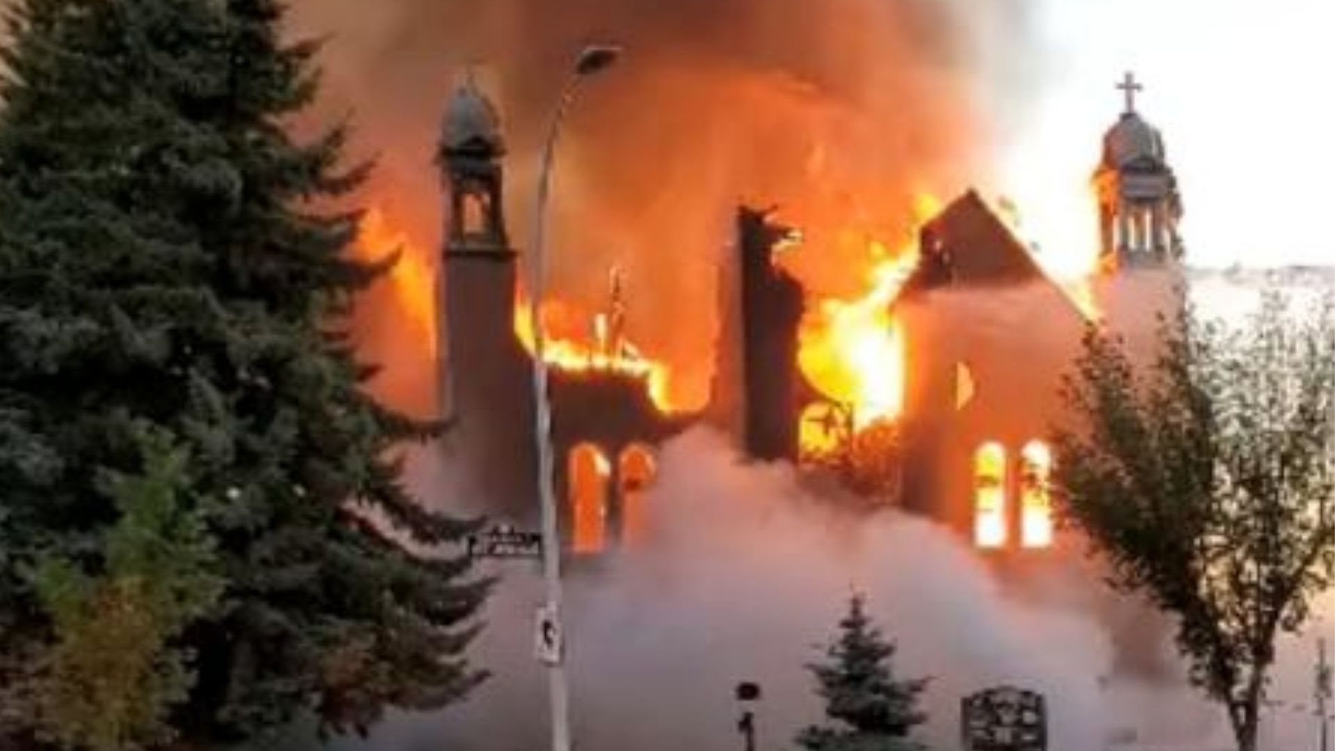 Aumenta o número de igrejas católicas canadenses vandalizadas e incendiadas no Canadá