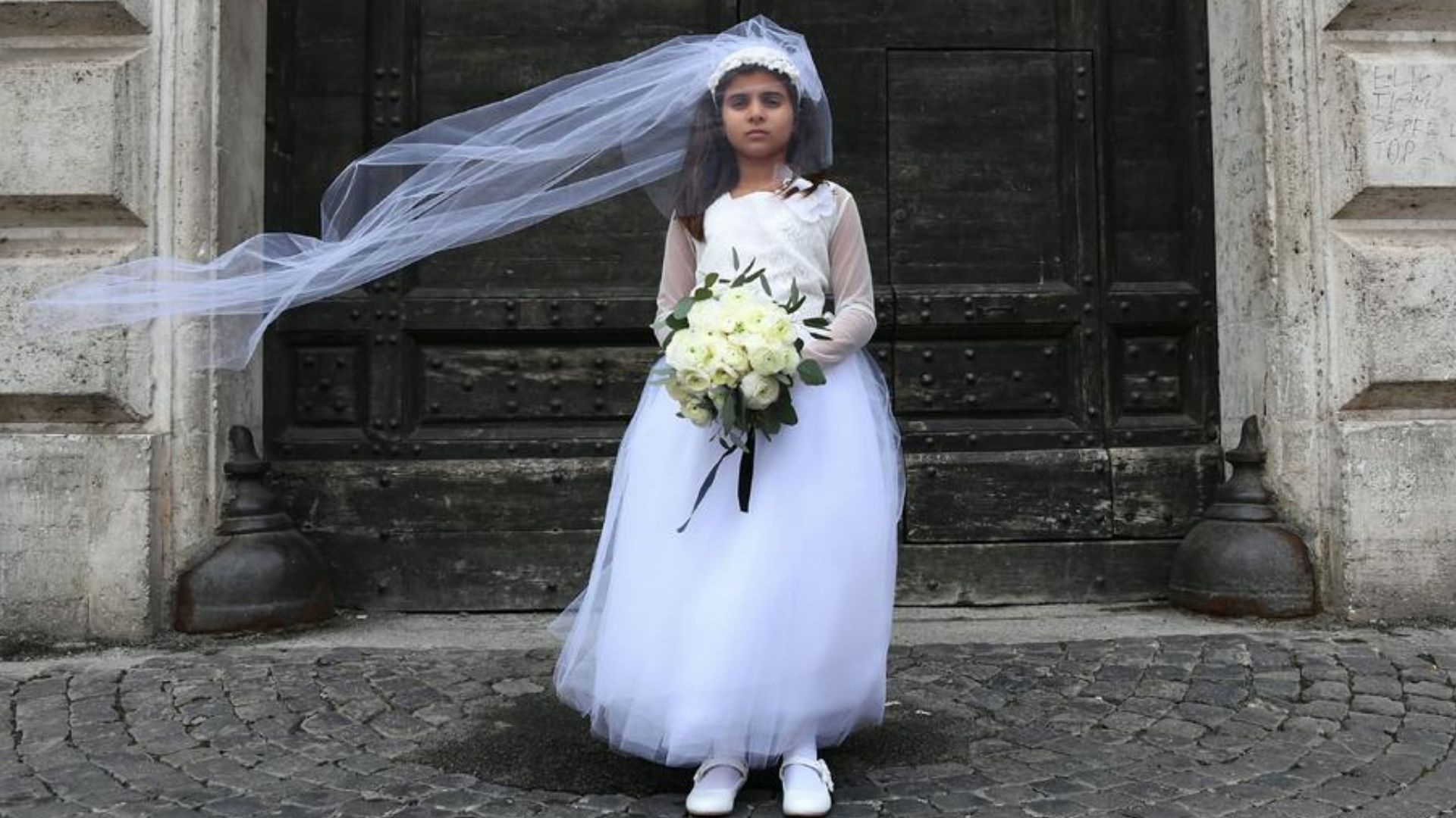 Nova York proíbe casamento infantil e restringe união para maiores de 18 anos