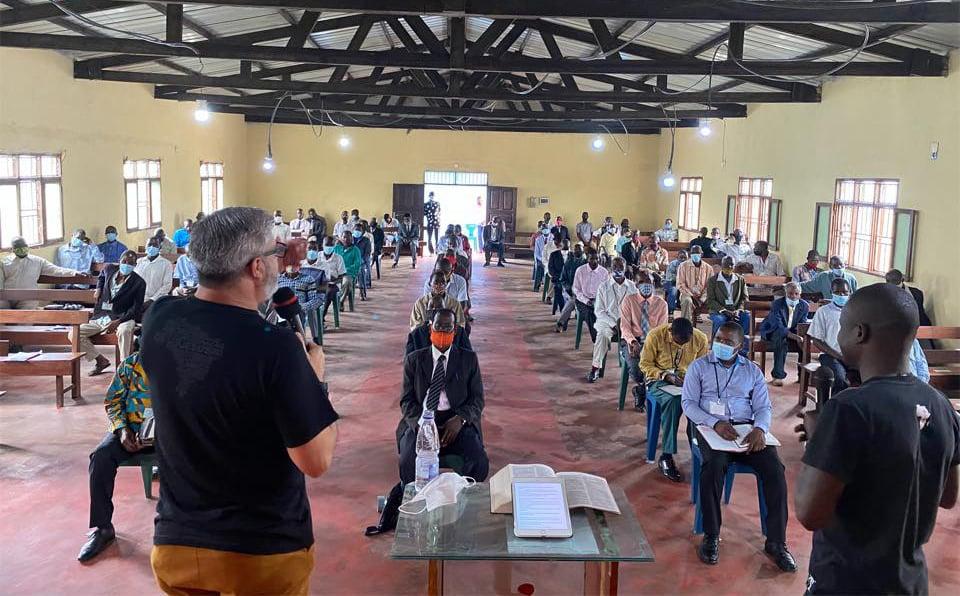 """Missionários brasileiros retomam seminários bíblicos na África: """"Avançamos em Deus"""""""