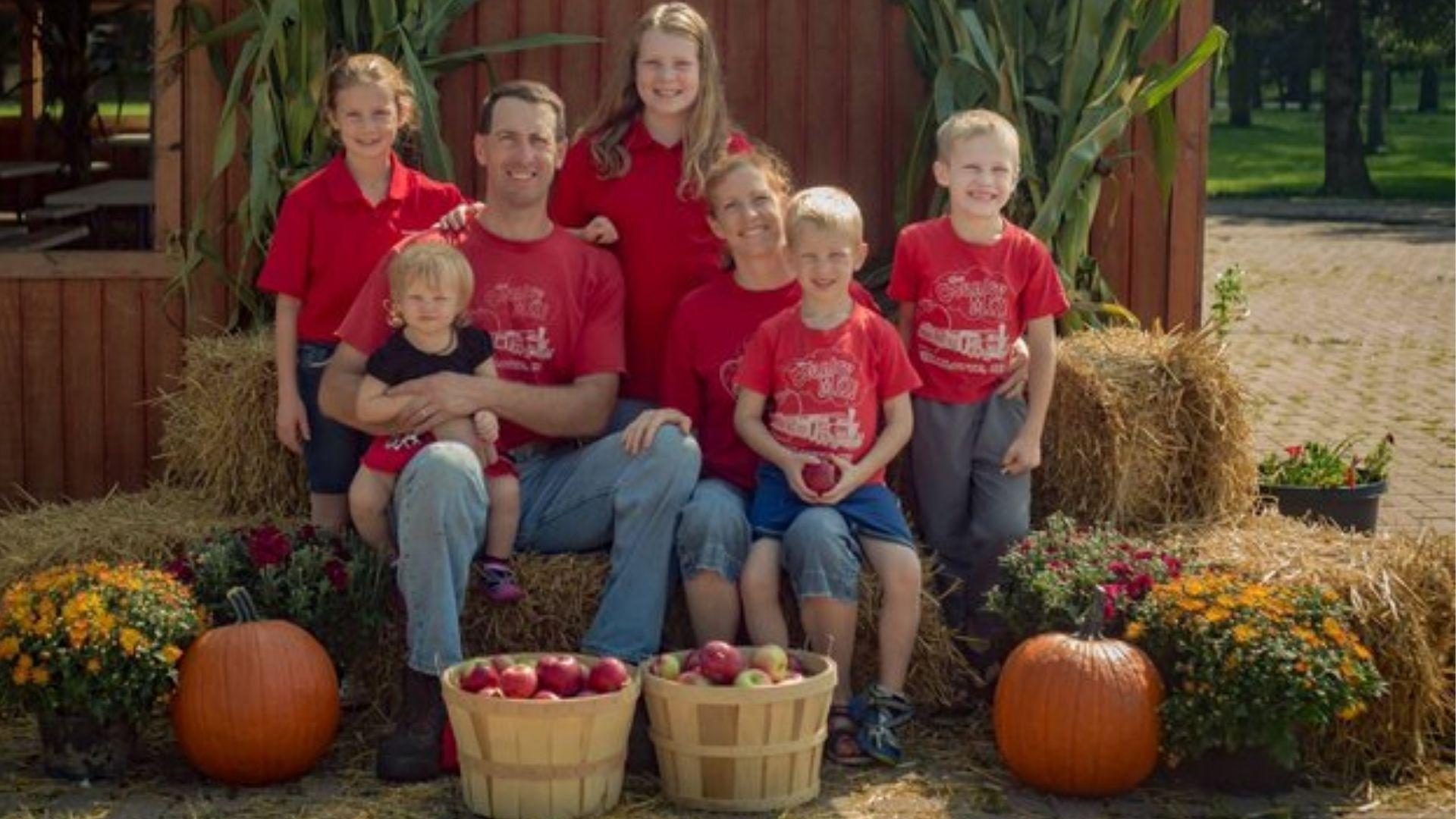 Agricultores cristãos são banidos de mercado por suas crenças sobre o casamento