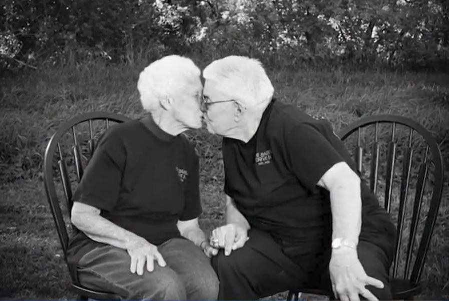 """Casal com 73 anos de casamento morre com poucas horas de diferença: """"O Senhor os chamou"""""""