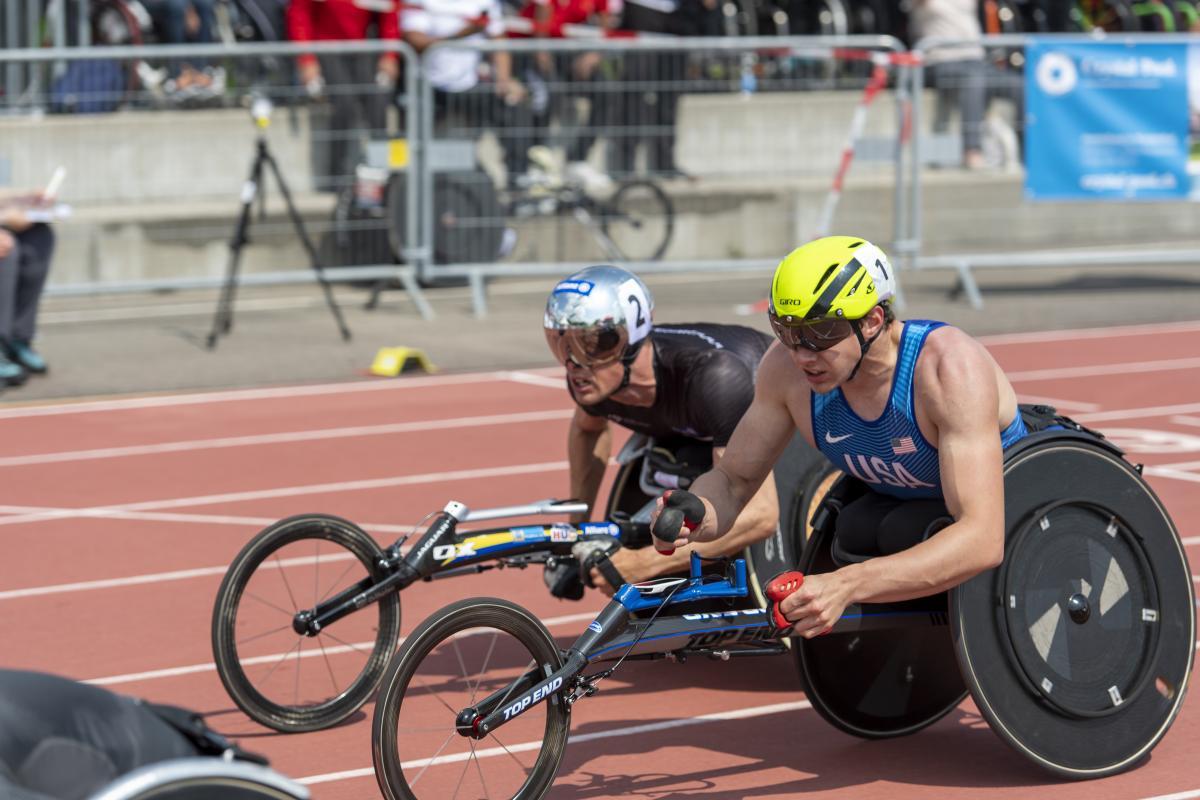 """""""Uma cadeira de rodas não me faz ser menos usado por Deus"""", diz atleta paralímpico"""