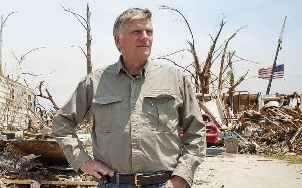 """""""Minha esperança está em Deus, não em políticos"""", diz Franklin Graham sobre desastres"""