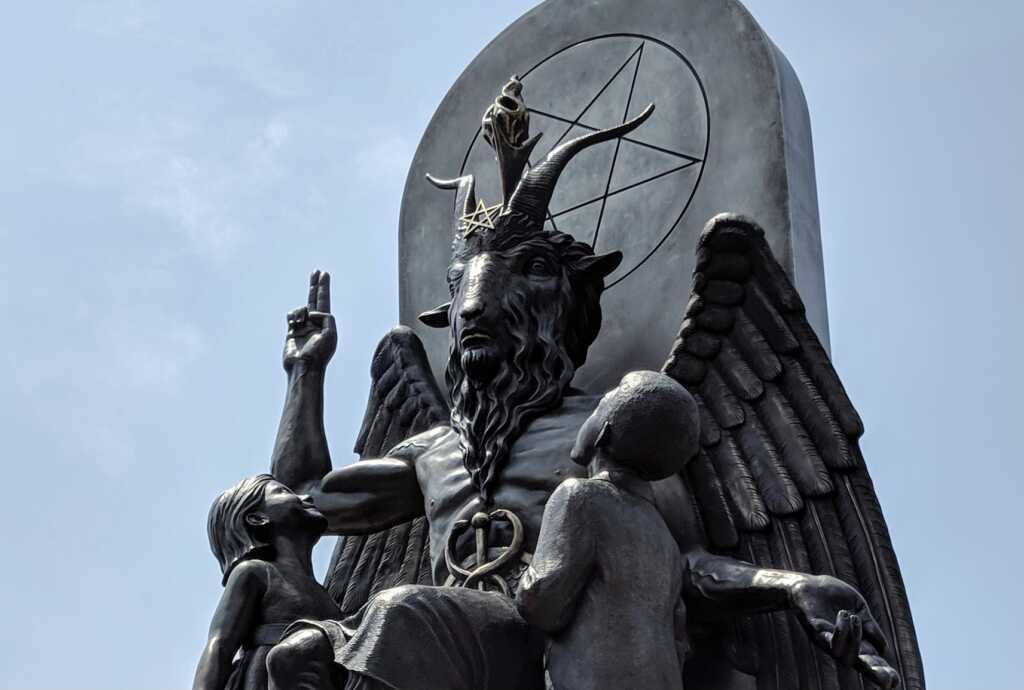 """Satanistas pedem isenção religiosa para realizar """"ritual de aborto"""" ilegal no Texas"""