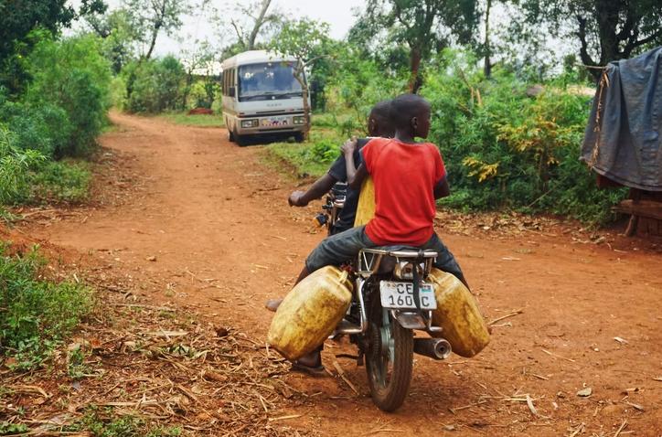 Extremistas matam jovem evangelista por levar 5 adolescentes muçulmanos a Cristo em Uganda