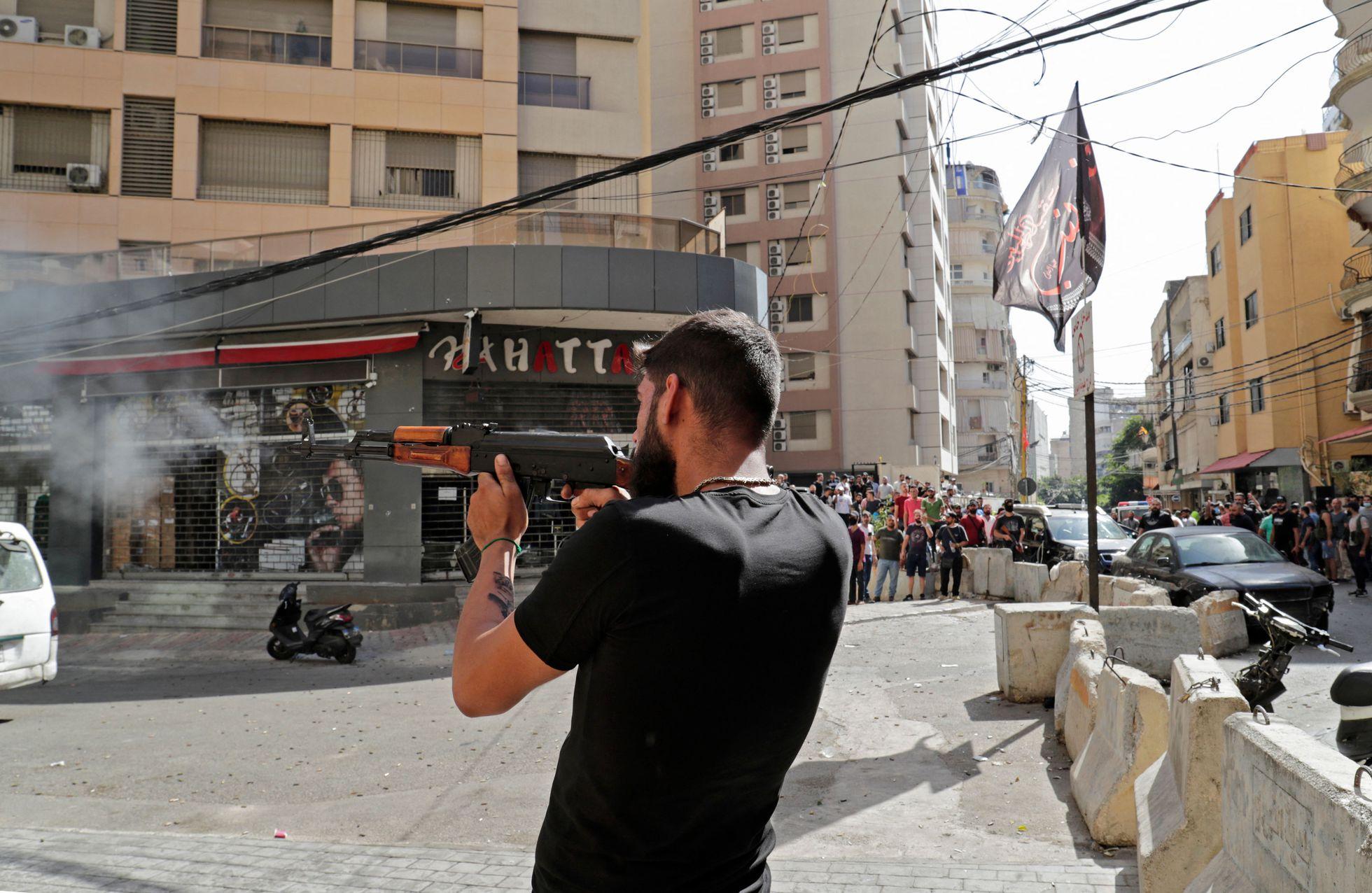 Protesto do Hezbollah deixa mortos e feridos em bairro cristão no Líbano