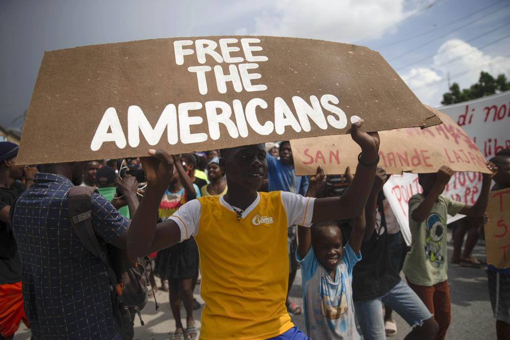 Haitianos pedem a libertação de missionários sequestrados em manifestação