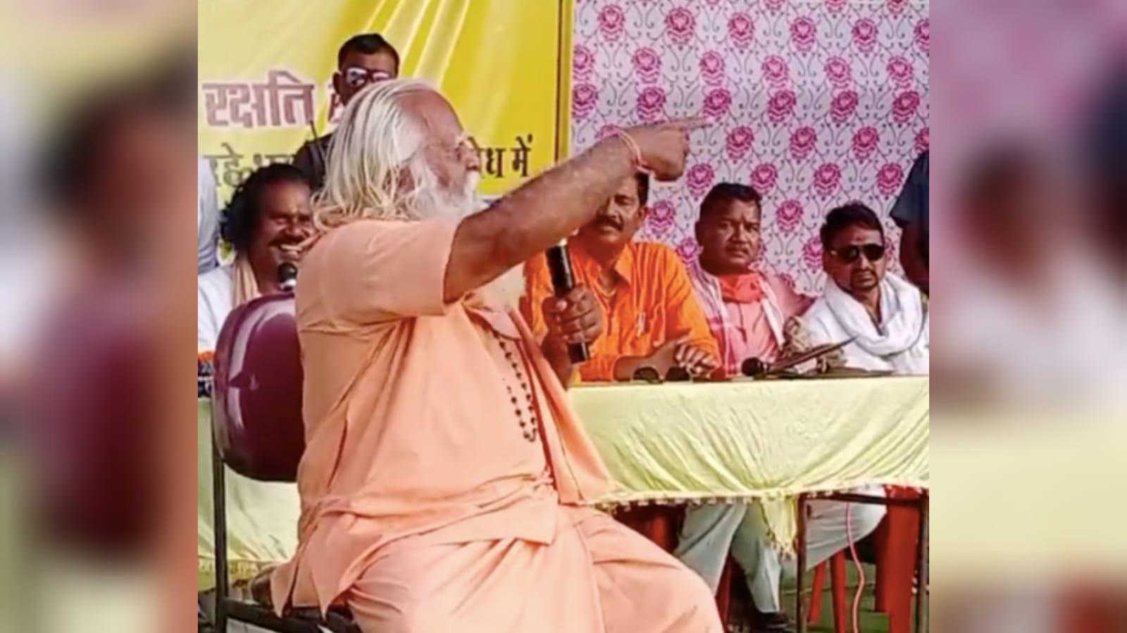 Sacerdote hindu pede a decapitação de cristãos durante protesto na Índia
